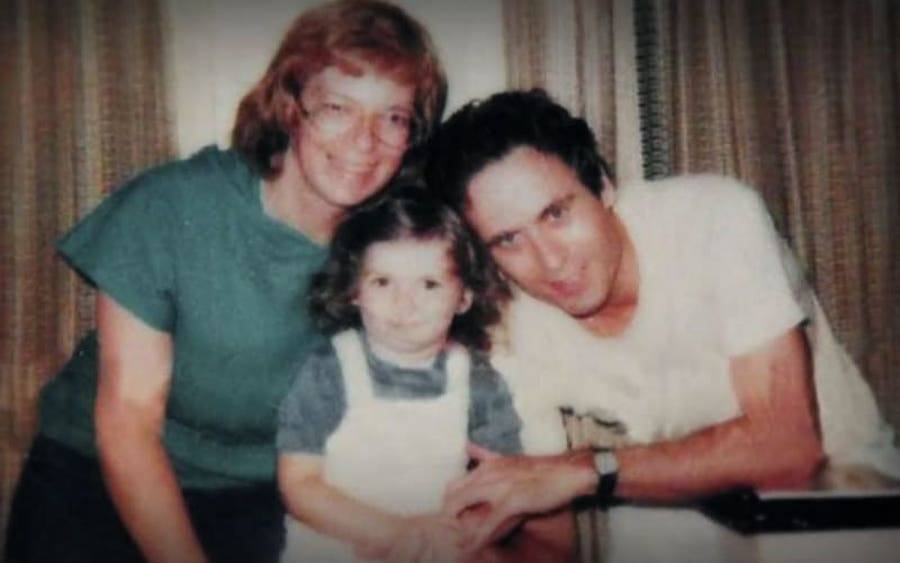 Ted Bundy with his wife and daughter.