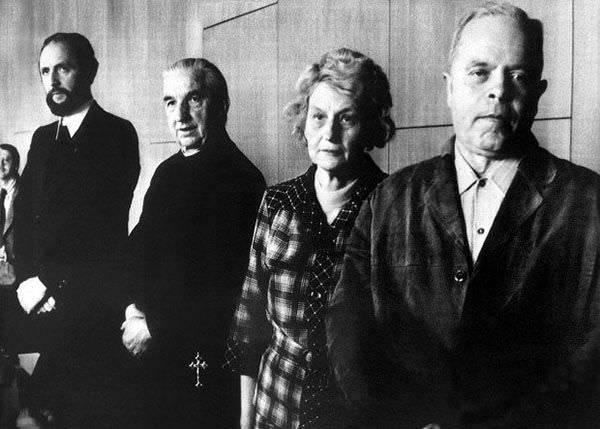 Ernst Alt, Arnold Renz, Anneliese's mother Anna, Anneliese's father Josef at the trial