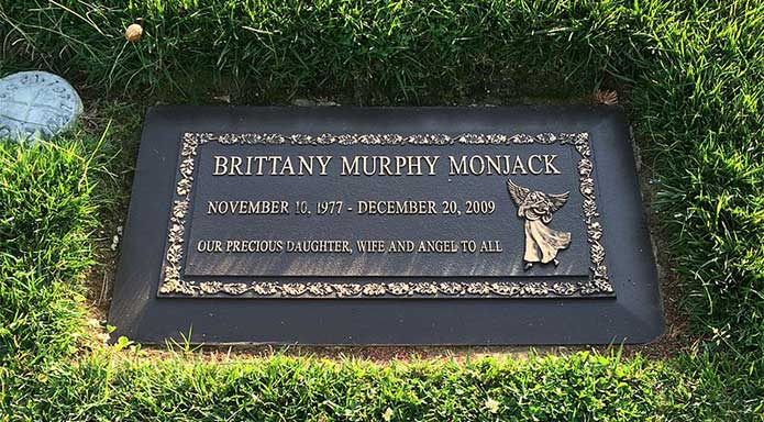 grave of Brittany Murphy