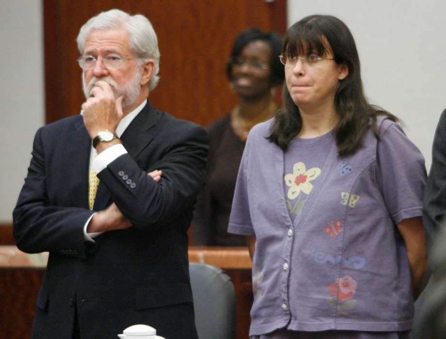 Andrea Yates and her lawyer during the trial