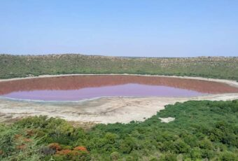 56,000-Year-Old Indian Lunar Lake Mysteriously Went From Green To Reddish-Pink Overnight