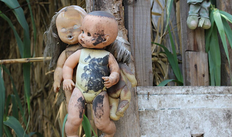 The island's longtime caretaker Don Julian Santana Barrera began hanging dolls around the island in the 1950s.