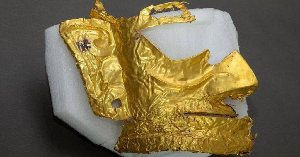 3,000-Year-Old Gold Mask Uncovered In China
